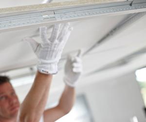 Замена полотна натяжного потолка